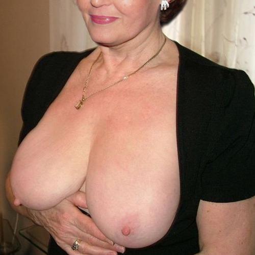 Femme mature pour plan sexe sur le 58