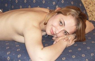 Femme mature bien chaude pour deux jeunes